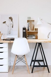 Captivating Girl Workspace Design Ideas That Looks So Cute 19