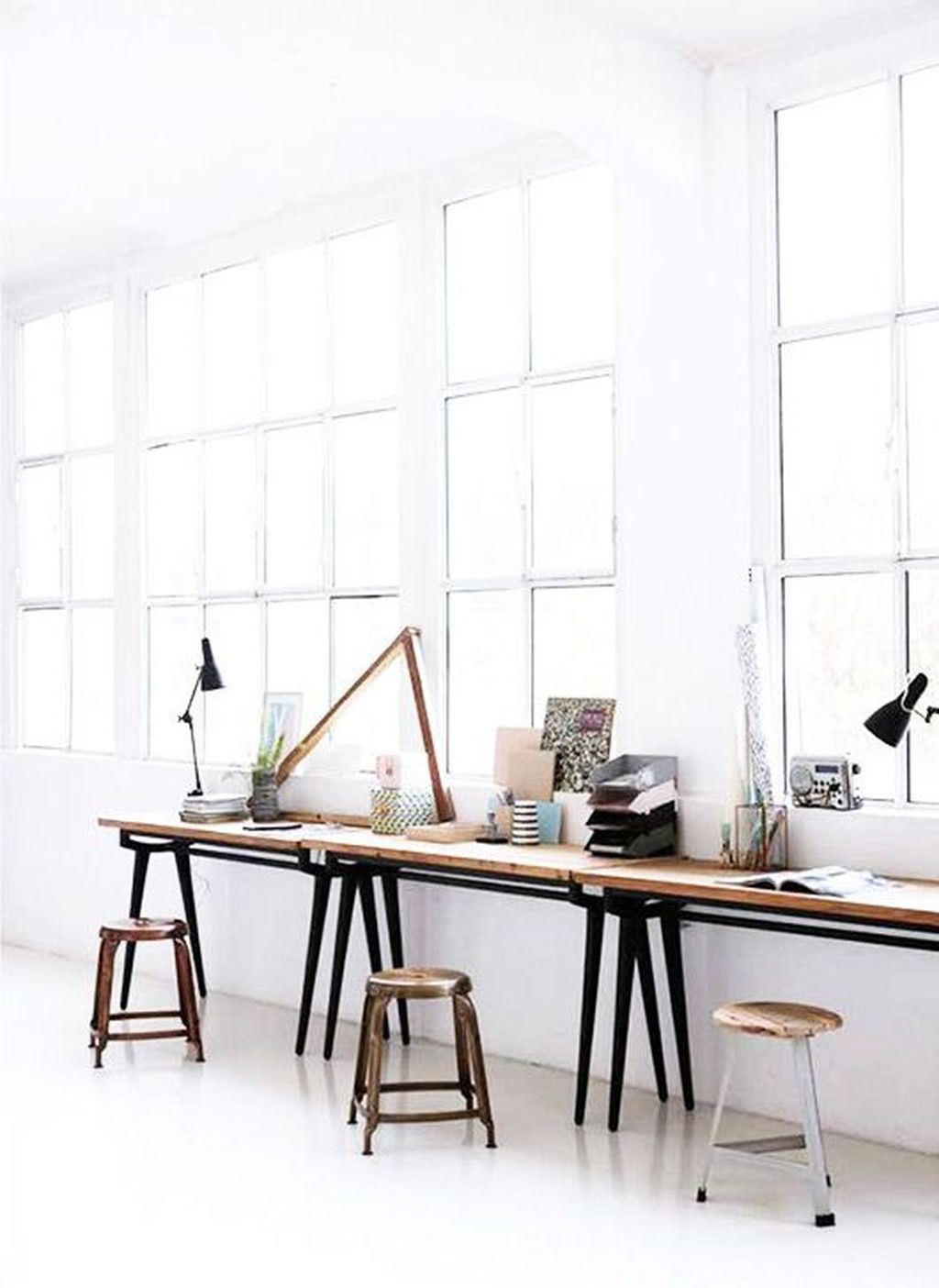 Captivating Girl Workspace Design Ideas That Looks So Cute 44