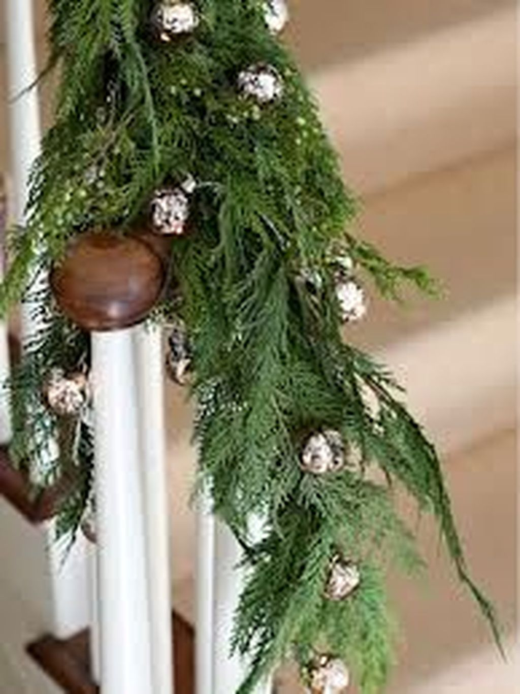 Charming Winter Staircase Design Ideas With Banister Ornaments To Try Asap 10