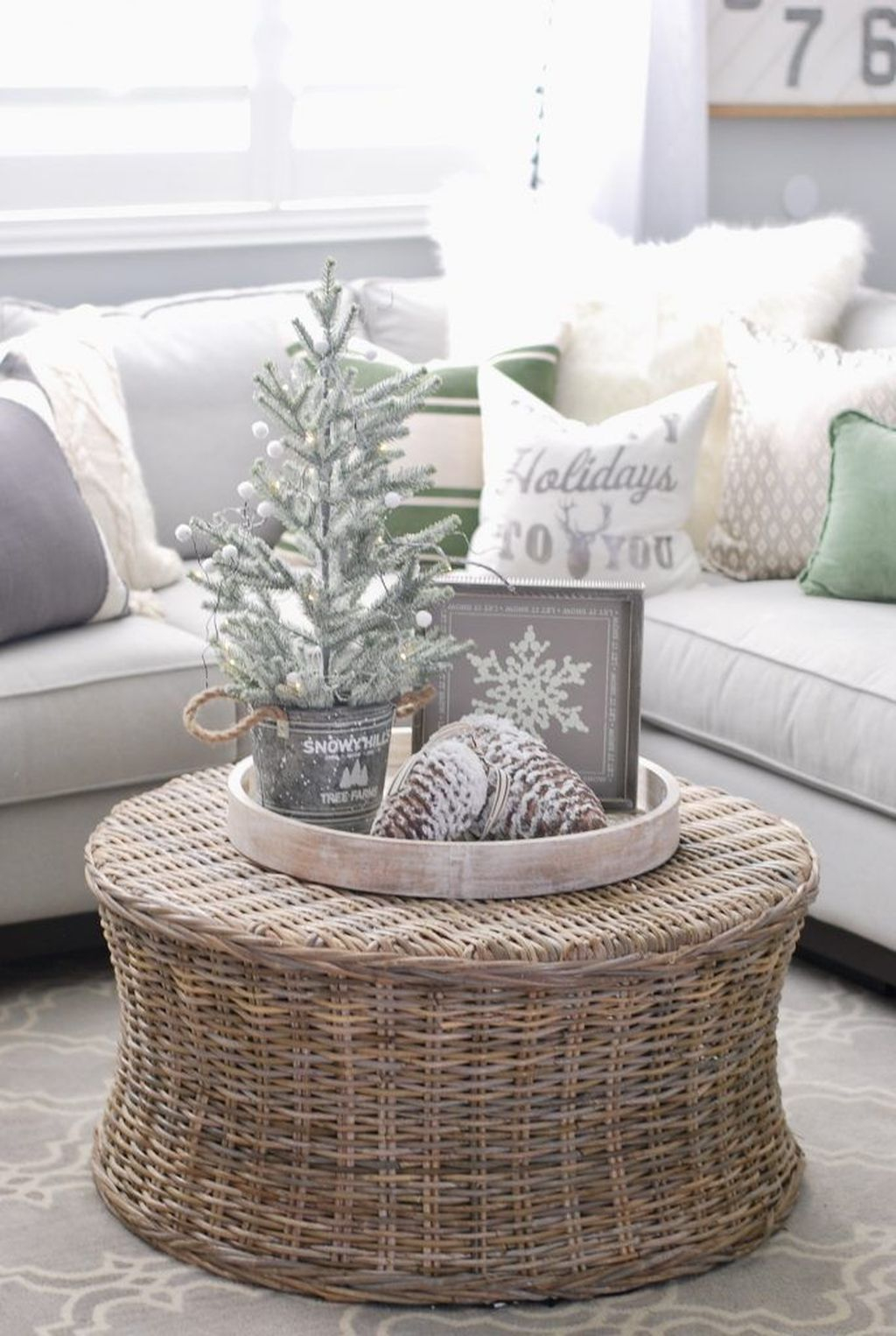 Cute Homes Decor Ideas To Snuggle In This Winter 11