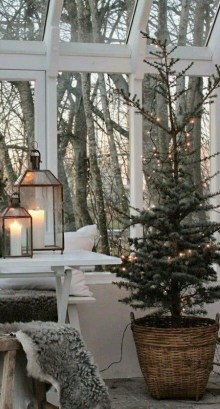 Cute Homes Decor Ideas To Snuggle In This Winter 17