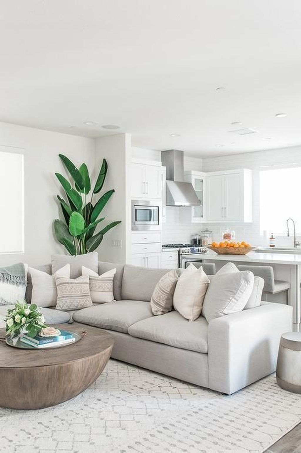 Graceful Living Room Design Ideas That You Need To Try 33