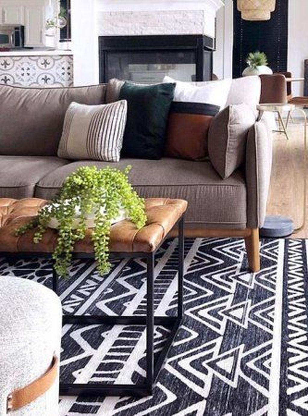 Graceful Living Room Design Ideas That You Need To Try 47