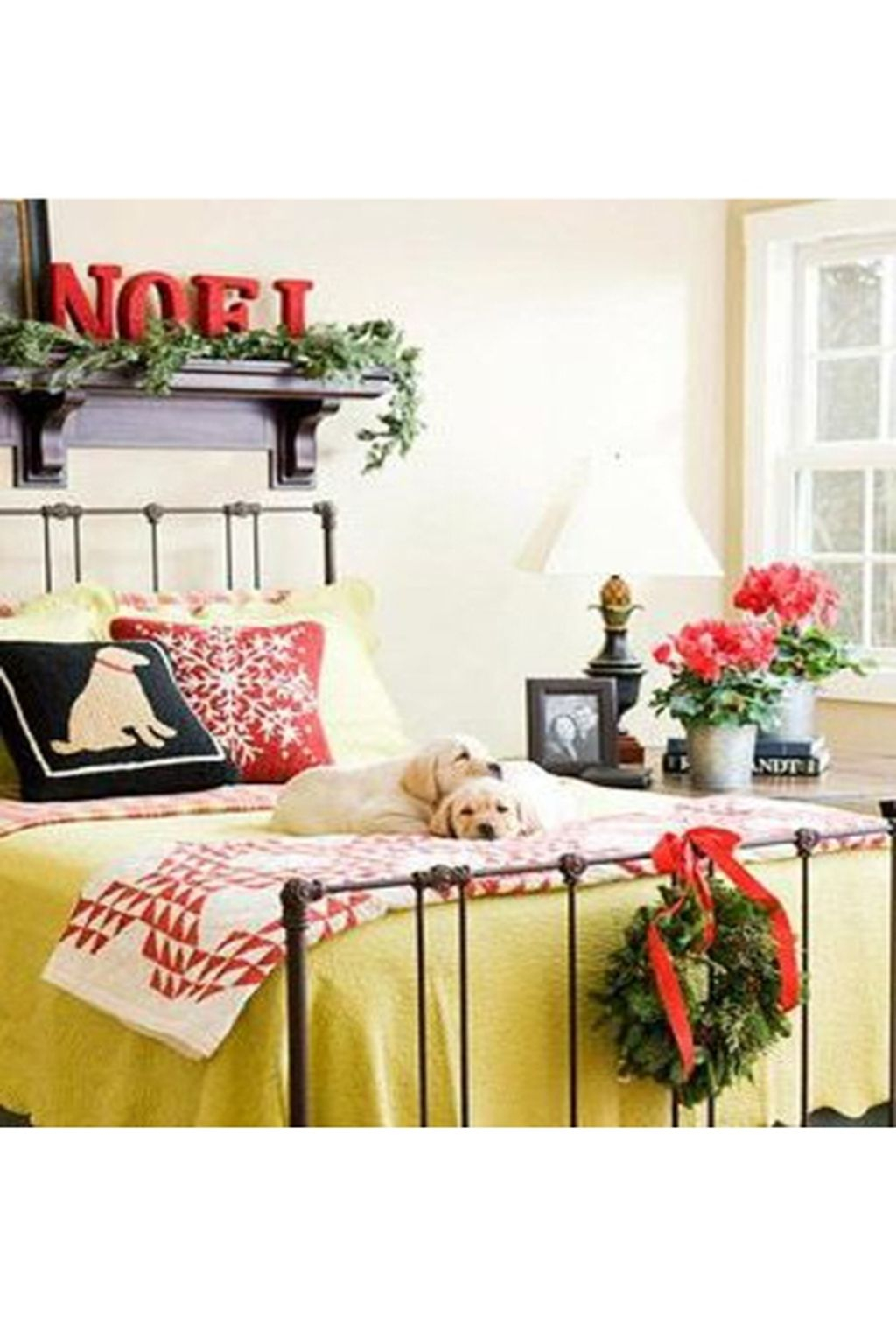Lovely Winter Bedroom Design Ideas With Flower Themes To Try Asap 02