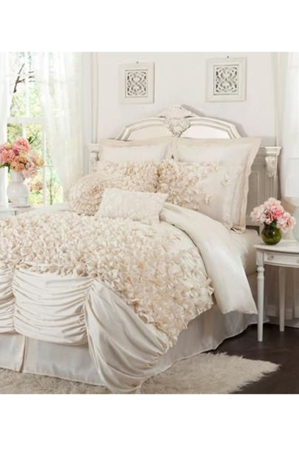 Lovely Winter Bedroom Design Ideas With Flower Themes To Try Asap 21