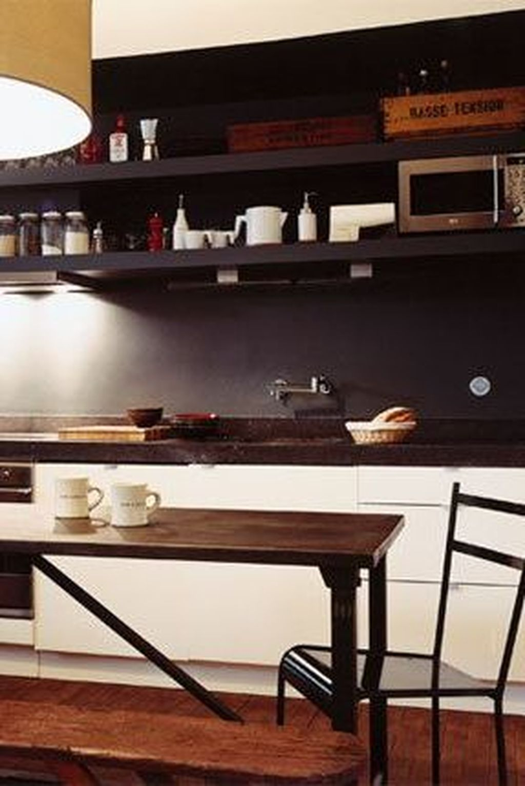 Modern Black Kitchens Design Ideas For Bachelors Pad To Try Asap 36