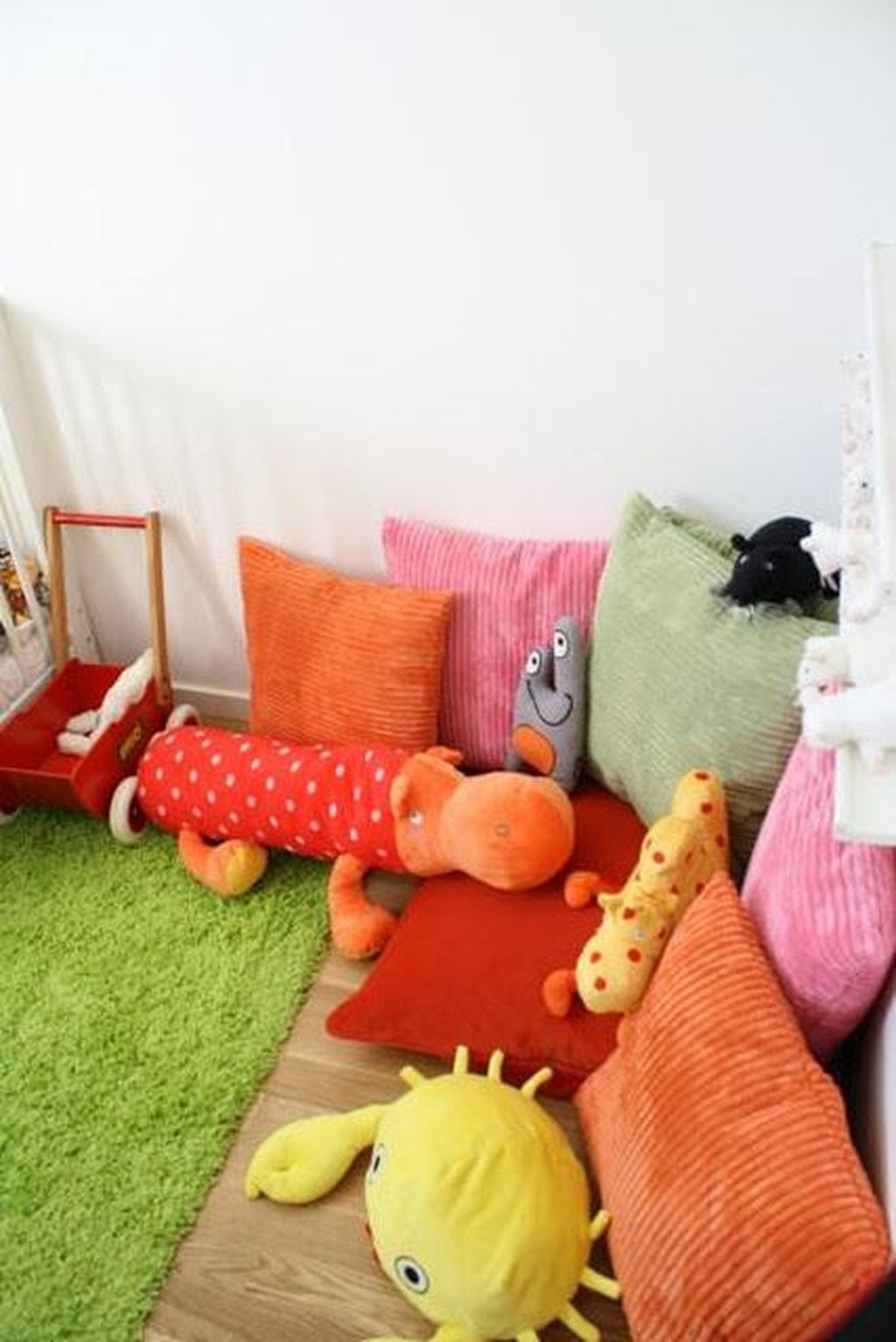 Perfect Kids Room Design Ideas That Suitable For Two Generations 19