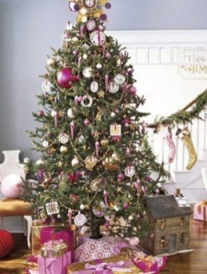 Sophisticated Pink Winter Tree Design Ideas That Looks So Cute 15
