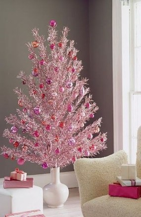 Sophisticated Pink Winter Tree Design Ideas That Looks So Cute 24