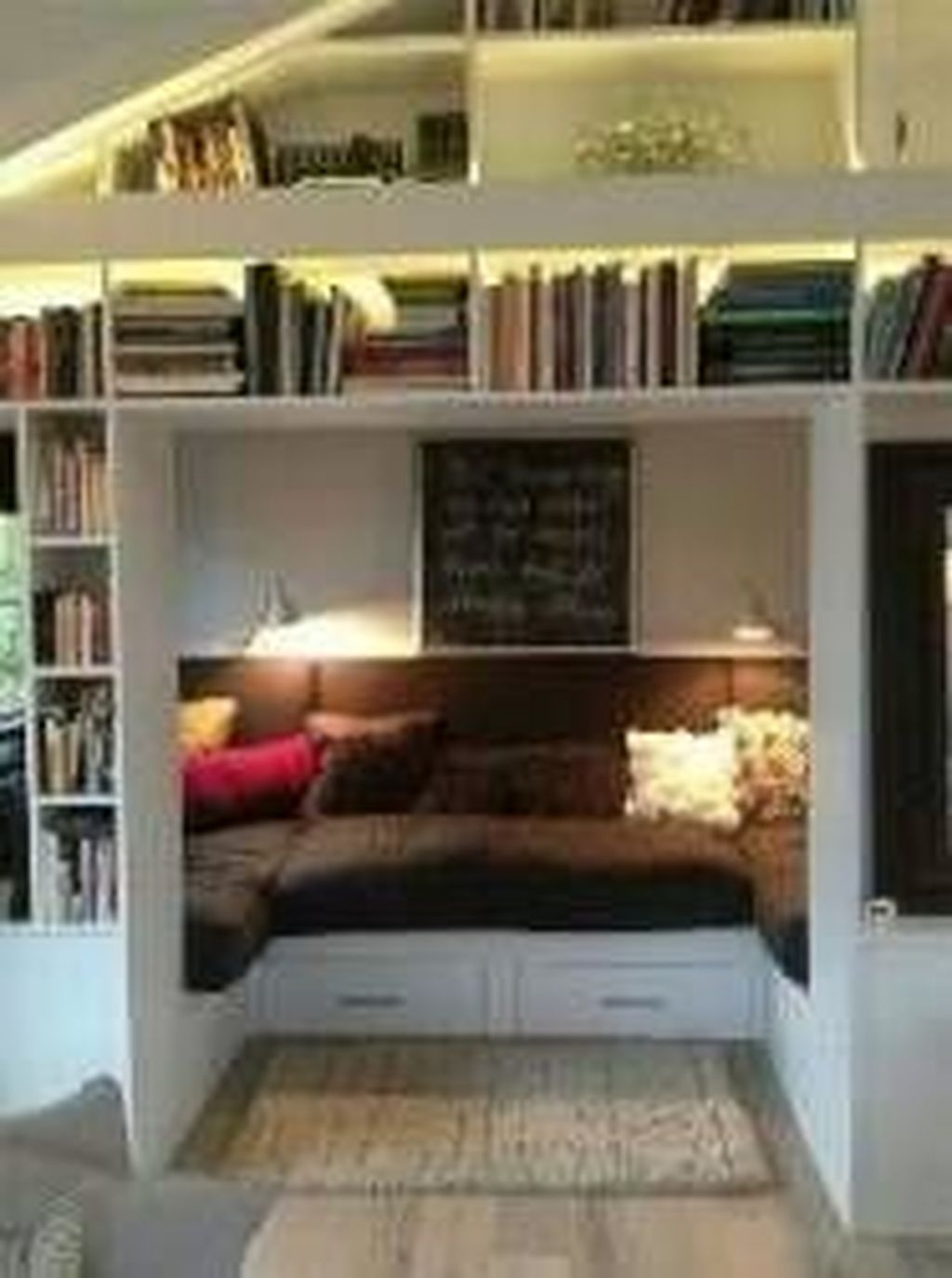 Enchanting Reading Nooks Design Ideas That You Need To Try 08