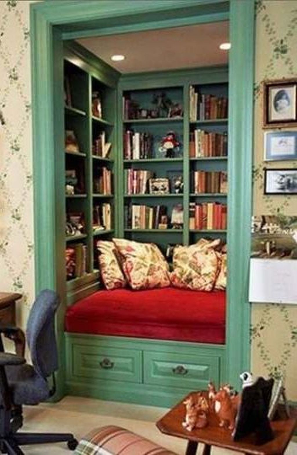 Enchanting Reading Nooks Design Ideas That You Need To Try 11