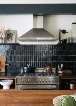Extraordinary Black Backsplash Kitchen Design Ideas That You Should Try 25