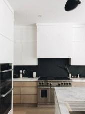 Extraordinary Black Backsplash Kitchen Design Ideas That You Should Try 28
