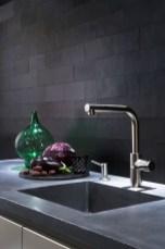 Extraordinary Black Backsplash Kitchen Design Ideas That You Should Try 30