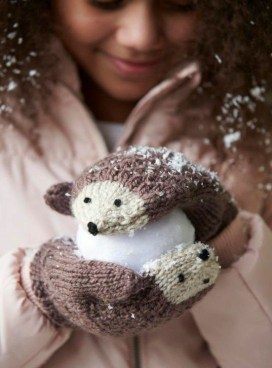 Favorite Knitted Winter Decorations Ideas To Try Right Now 25