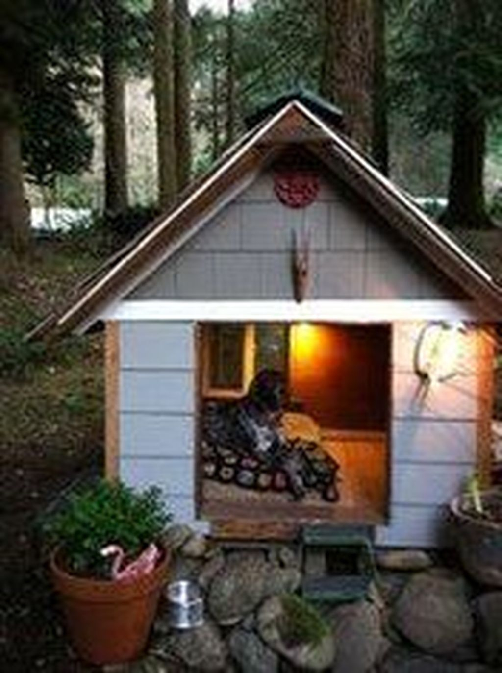 Interesting Outdoor Dog Houses Design Ideas For Pet Lovers 17