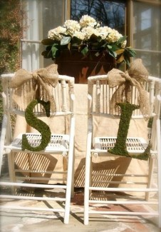 Magnificient Outdoor Wedding Chairs Ideas That Suitable For Couple 05