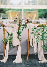 Magnificient Outdoor Wedding Chairs Ideas That Suitable For Couple 10