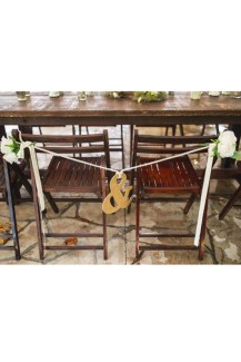 Magnificient Outdoor Wedding Chairs Ideas That Suitable For Couple 30