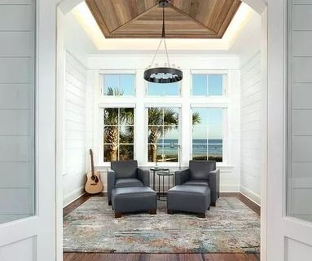 Perfect White Sunroom Design Ideas That Look So Awesome 37