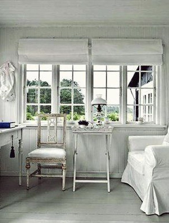 Perfect White Sunroom Design Ideas That Look So Awesome 42