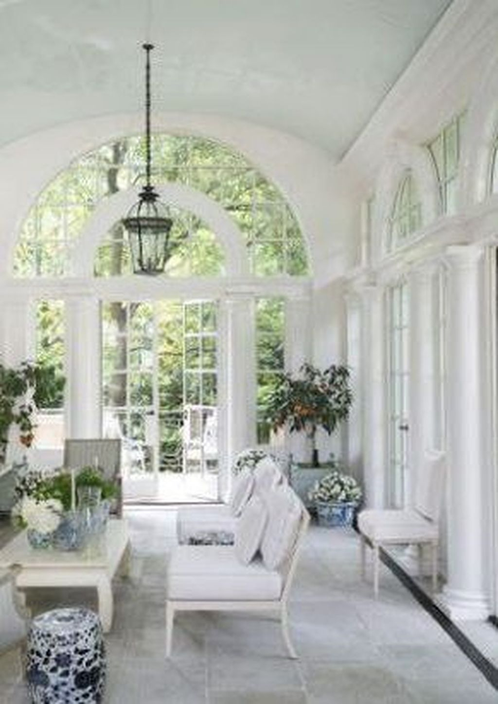 Perfect White Sunroom Design Ideas That Look So Awesome 43