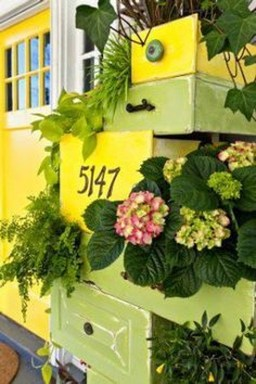 Splendid Recycled Planter Design Ideas That You Need To Try 09
