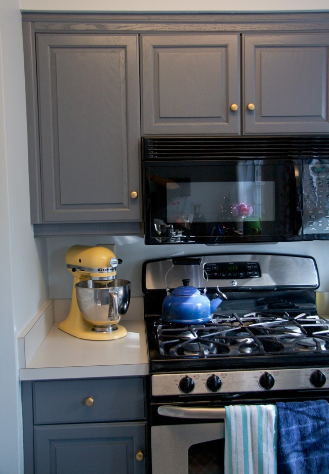 Gray Kitchen Cabinets With Gold Hardware