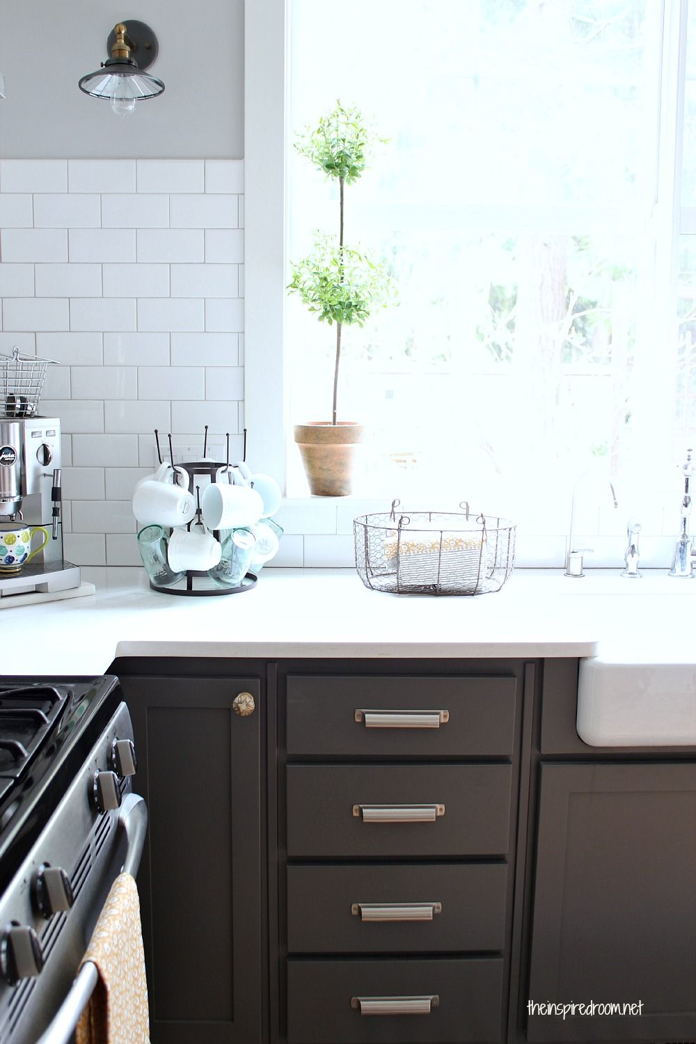 Grey Kitchen Cabinets With Black Hardware