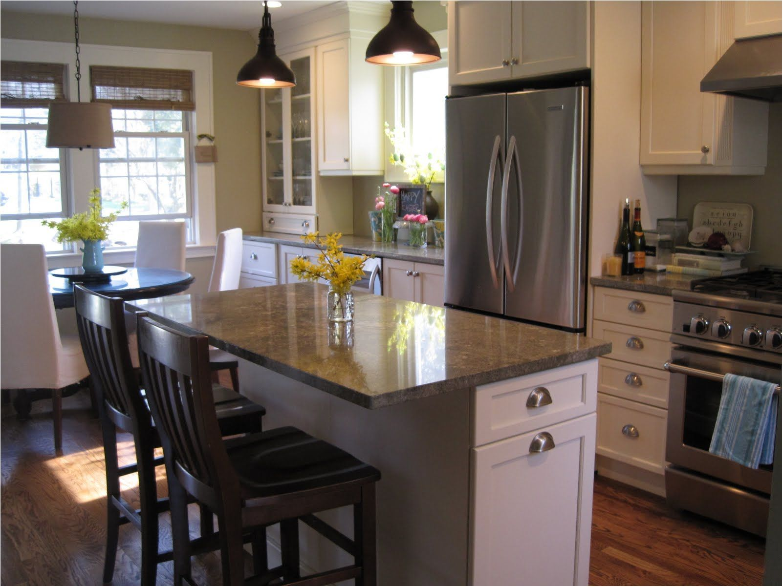 Small Kitchens With Island Seating
