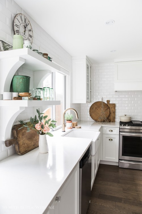 White modern kitchen with farmhouse accents