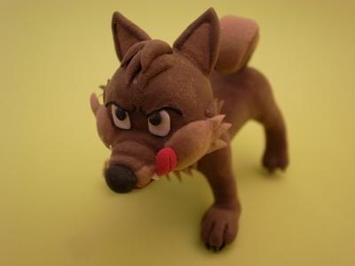 柴犬サイズのプチ狼、悪巧みの真っ最中
