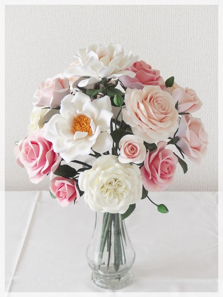 丸弁カップ咲き・八重咲き・半剣咲き・クォーターロゼッタ咲き。4種のバラ
