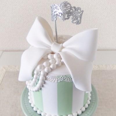 ティアラ付きウエディングケーキ