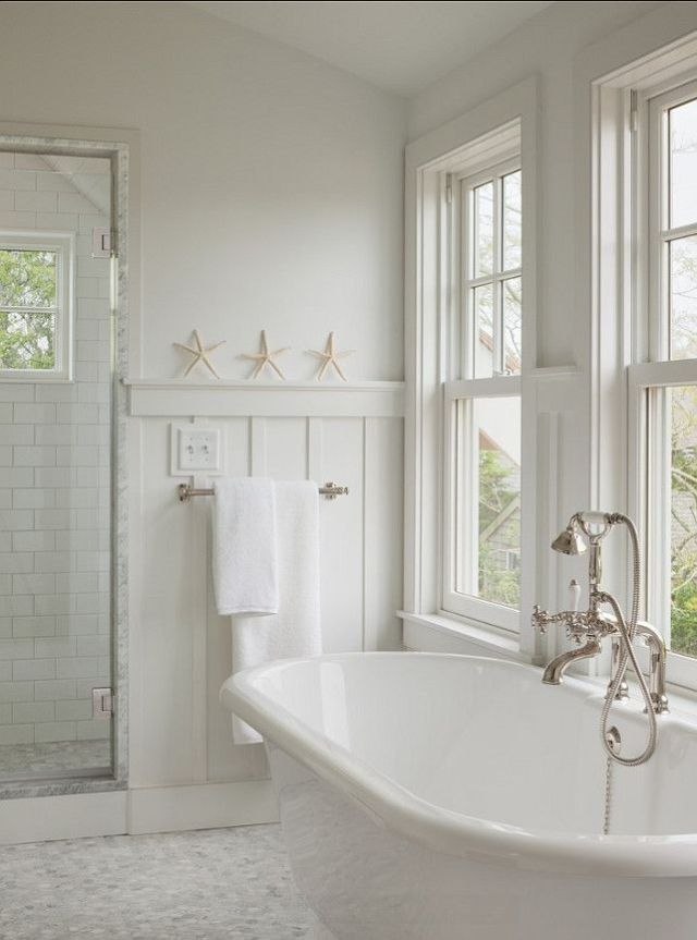 Bathroom Design. Bathroom Ideas. Bathroom with classic and affordable white subway tiles and marble flooring. #Bathroom #BathroomIdeas #BathroomDesign