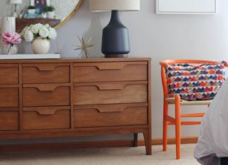 Blogger Home Tour /// House Of Hipsters /// Master Bedroom with a Mid Century Modern and Bohemian style and look. Click thru to read more. https://emfurn.com: