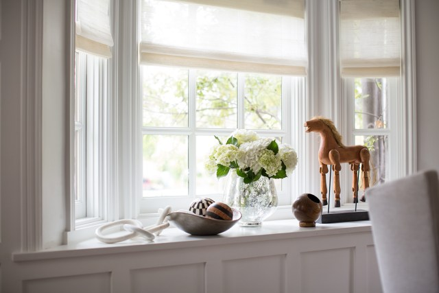 Window and window stand with decorations