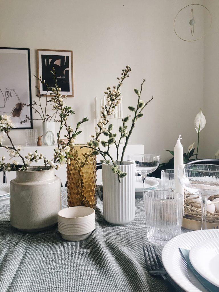 Vaser og forårsgrene