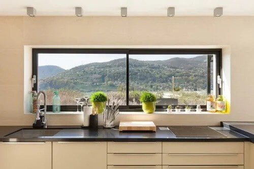 Se sei indeciso in questo articolo troverai 5 spunti originali che possono aiutarti nella scelta finale per l'arredo della tua cucina. 5 Modi Per Decorare Le Finestre Senza Tende Decor Tips