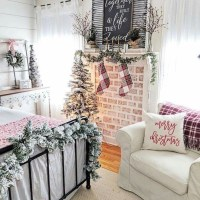 40+ The Ugly Side Of Simple Farmhouse Christmas Bedroom Decor 3