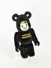 medicom-bearbrick-s24-artist-tarout-brickout-brickie-blk-02