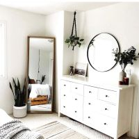 60+ Minimalist Bedroom Decorating Ideas For Small Spaces That Reflects Your Personal Taste 9