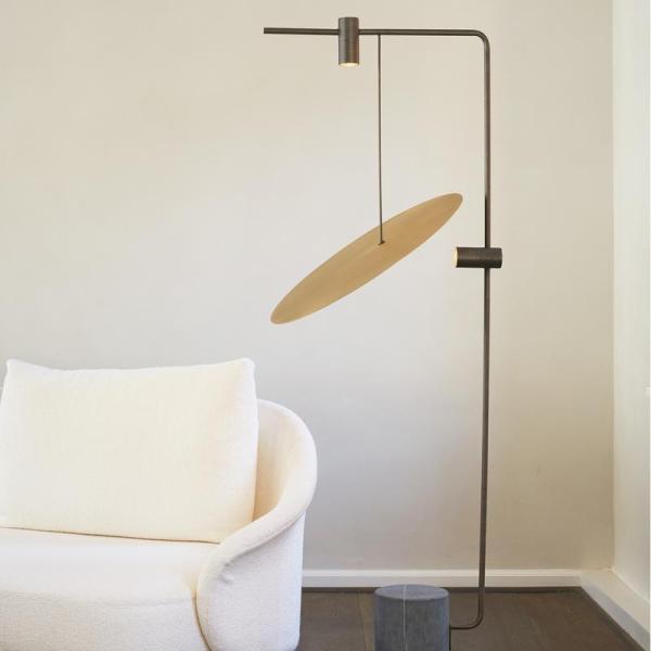 THE_MOON_FLOOR_LAMP_800x800