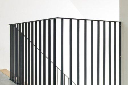 Metalen trapleuning zwart. cheap gallery of rvs trapleuning vierkant