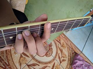 kunci gitar A#