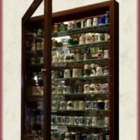 Vitrinas para su colección de dedales (ant.)