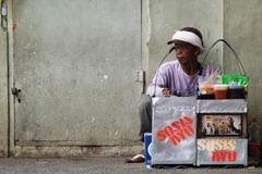 penjual sosis keliling 600x400 - Vote Foto Dapat Kamera Lumix DMC-S1