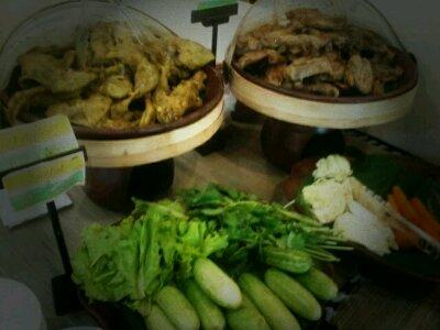 wpid p20120116 150549 - Kriuk Ayam Goreng Fatmawati