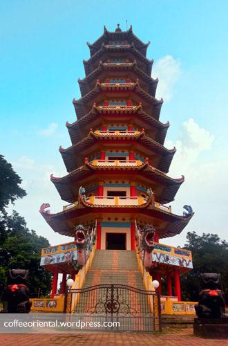 p04 - Tradisi dan Mitos Cap Go Meh Pulau Kemaro Palembang
