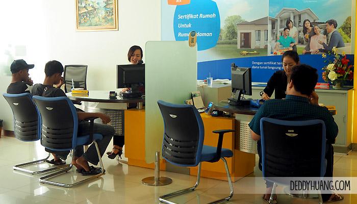 suasana customer service bank bca
